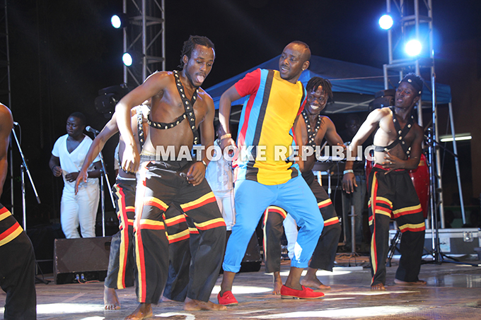 Kenzo and his dancers.