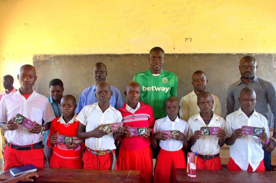 Onduparaka fc gives scholastic materials to ple candidates for West materials things
