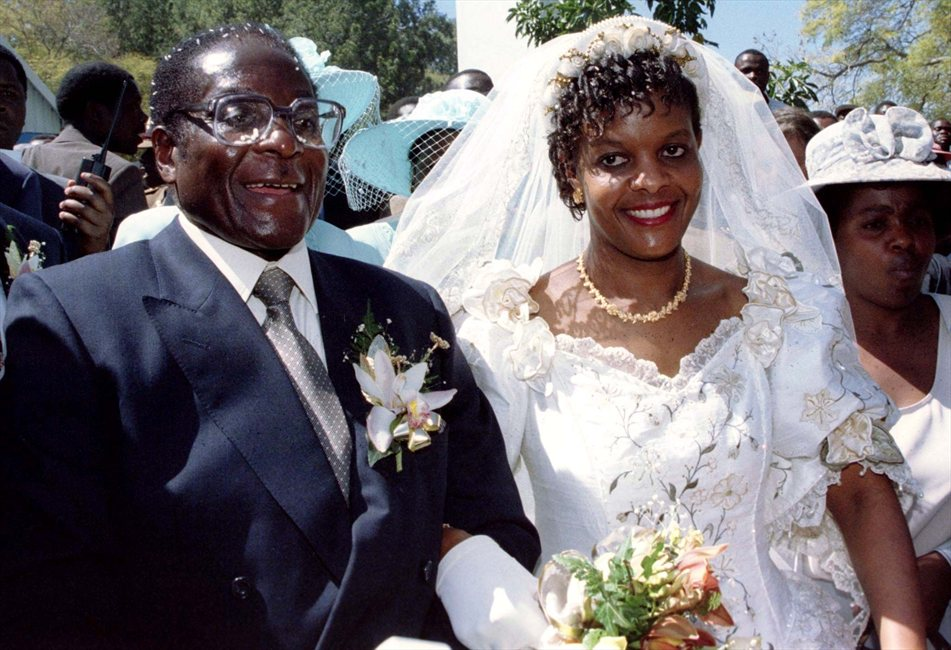 PHOTOS Robert And Grace Mugabes 1996 Wedding That Was Graced By Nelson Mandela