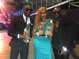 Zari and Diamond pose with the awards backstage.