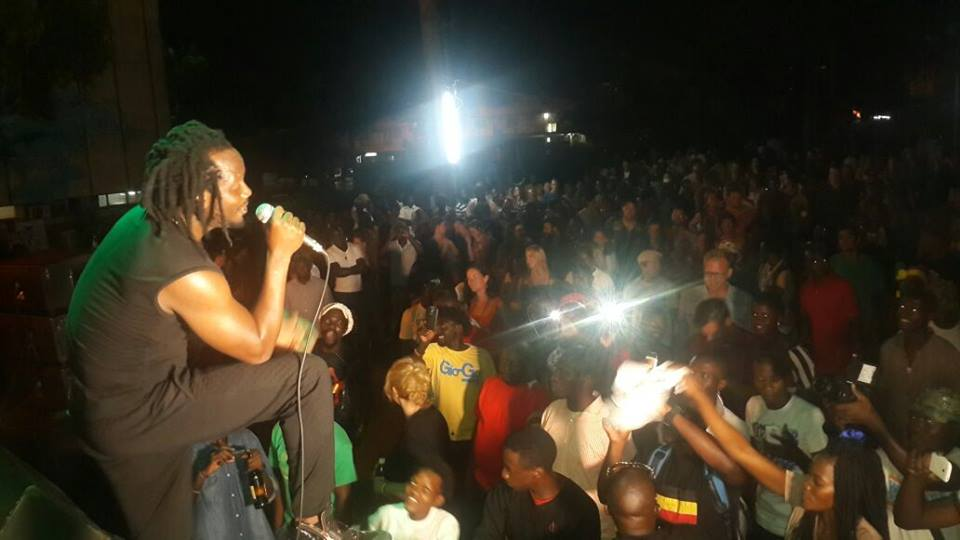 Bebe sings at the concert that was held at The National Theatre.