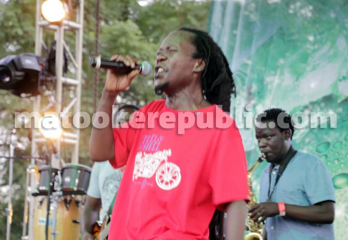 Maddox on stage. He put up an hour-long performances of his classics like Namagembe, Nakatude, Munakyalo and Irene.