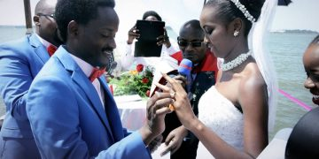 Calvin and Amanda exchange vows.
