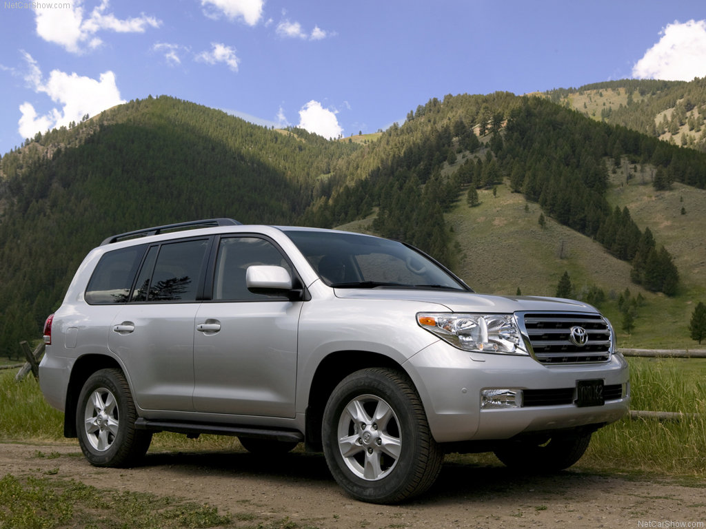 Pastor Bugingo upgrades to V8 Land Cruiser - Matooke Republic