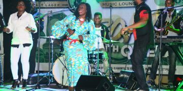 Reacheal Magoola on stage with Qwela Band last night. PHOTOS BY ASIIMWE VINCENT SMOKY/Matooke Republic